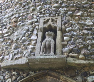 Syderstone niche with lion