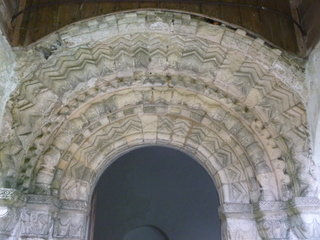 Hellington Norman door