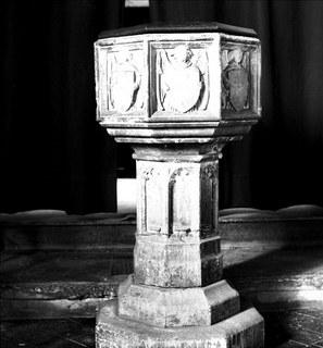 Norwich St Julian font